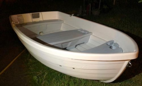 Front view of 7ft6ins plastic hull